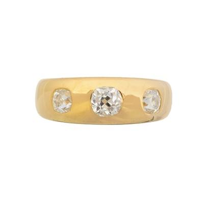 Lot 108 - A diamond three stone ring
