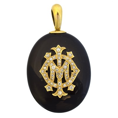 Lot 67 - A Victorian onyx and diamond mourning locket
