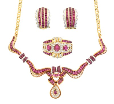 Lot 71 - A ruby and diamond suite of jewellery