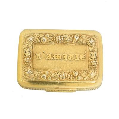 Lot 108 - A George III silver gilt vinaigrette