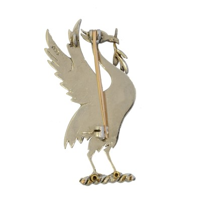 Lot 4 - A 9ct gold Liverbird brooch by Alabaster & Wilson