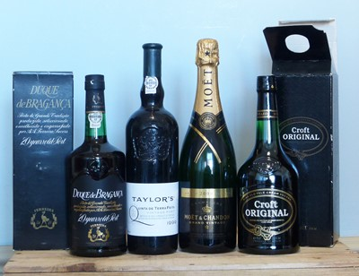 Lot 24 - 4 Bottles Mixed Lot Vintage Champagne, Sherry plus Tawny and Vintage Port