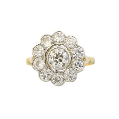 Lot 90 - A diamond cluster ring