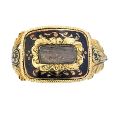 Lot 110 - A William IV 18ct gold mourning ring
