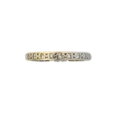Lot 77 - A diamond eternity ring