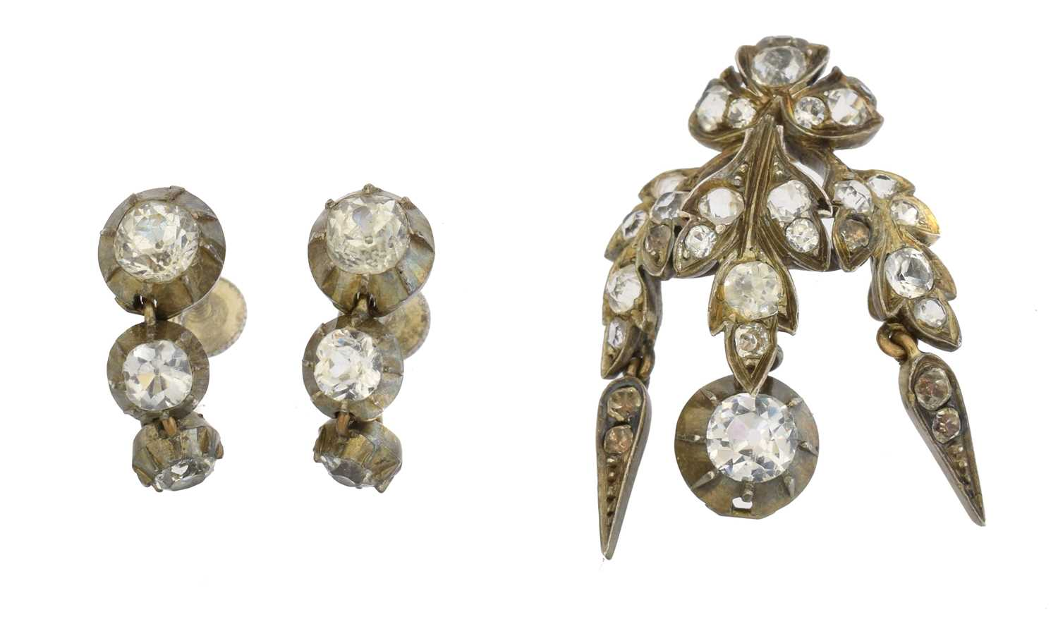 Lot 11 - A selection of paste jewellery