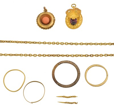 Lot 38 - A selection of jewellery