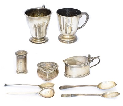 Lot 96 - A selection of silver