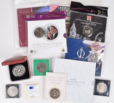 Lot 9 - Large collection of assorted coinage to include banknotes & quantity of silver.