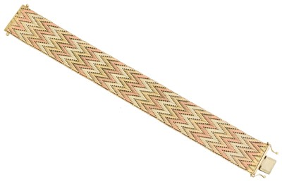 Lot 28 - A 1970s 9ct gold bracelet