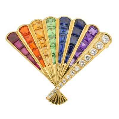 Lot 7 - An 18ct gold gem-set brooch