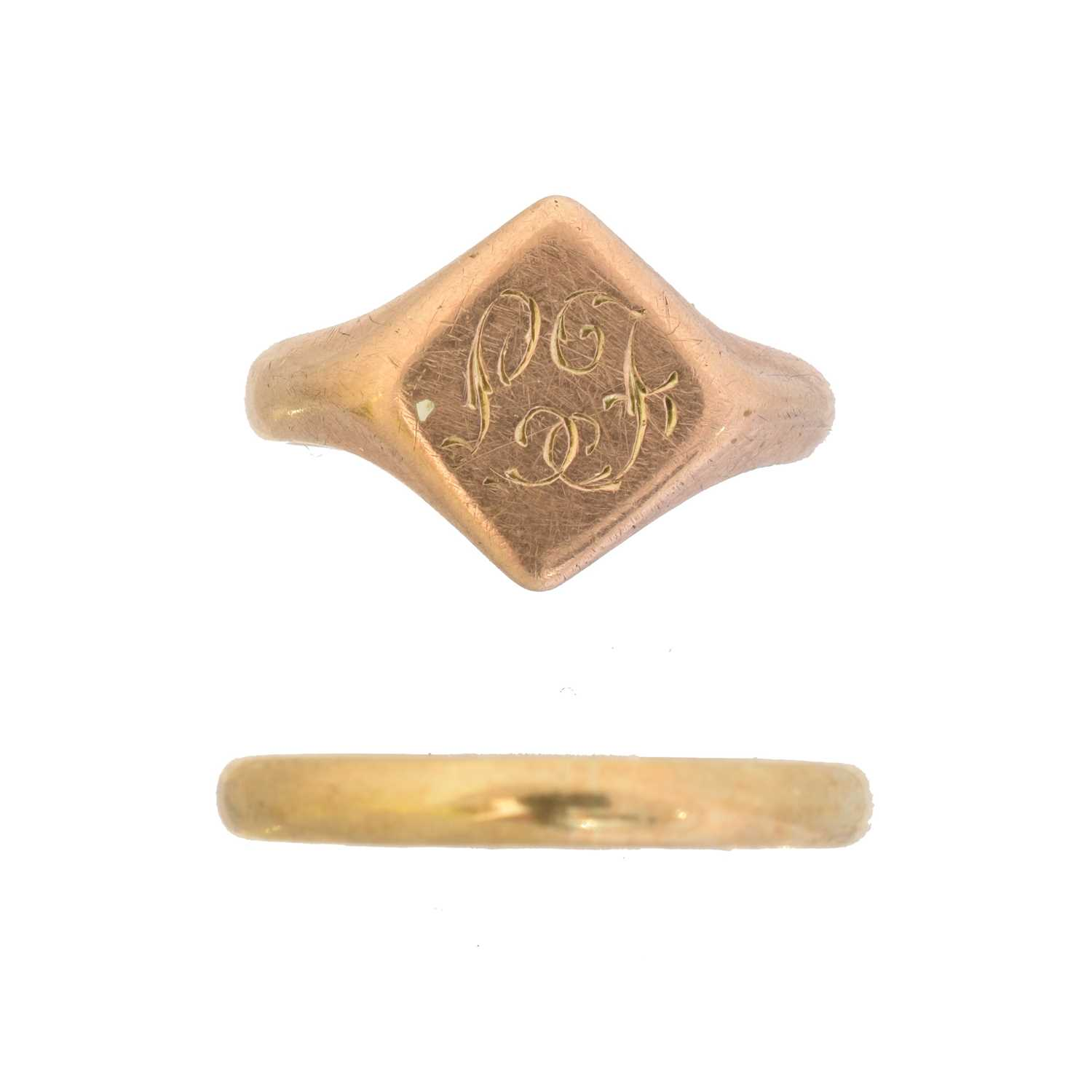 Lot 24 - Two 9ct gold rings