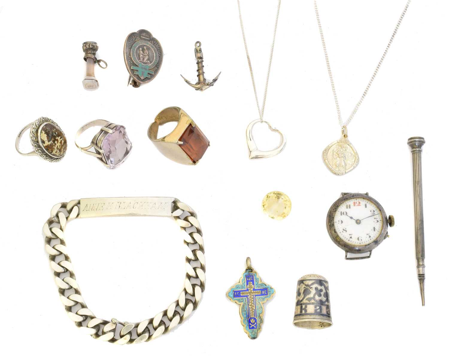Lot 37 - A selection of jewellery