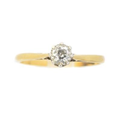 Lot 51 - A diamond single stone ring