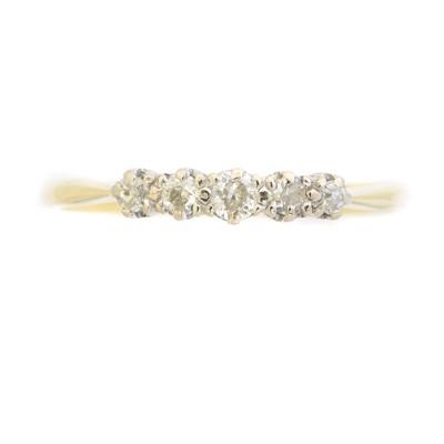 Lot 50 - A diamond five stone ring