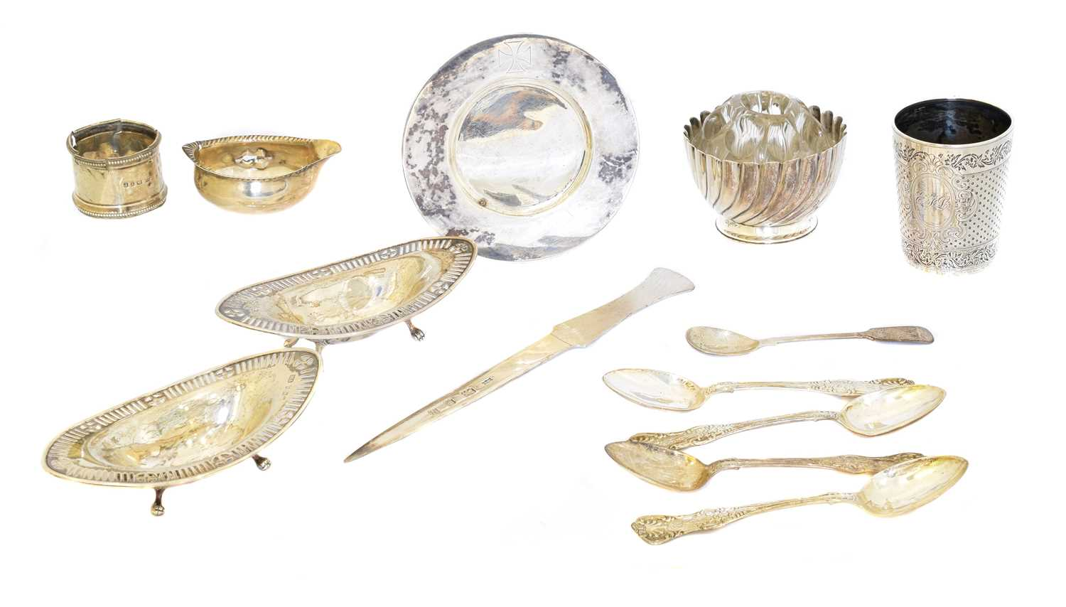 Lot 114 - A selection of silver