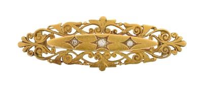 Lot 5 - A Victorian diamond brooch