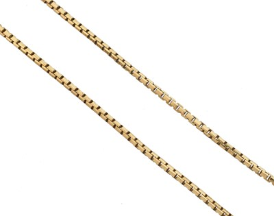 Lot 33 - A 9ct gold chain necklace