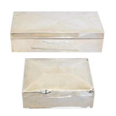 Lot 148 - An early 20th century silver cigarette box