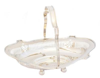 Lot 173 - An Edward VII silver basket
