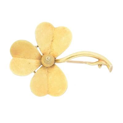 Lot 2 - An early 20th century shamrock brooch
