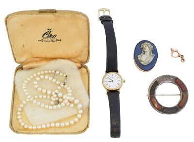 Lot 81 - A selection of jewellery