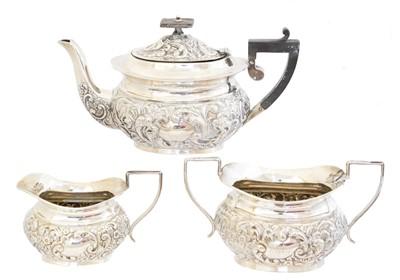 Lot 194 - A silver teaset