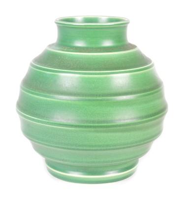 Lot 120 - 'Beehive' Vase