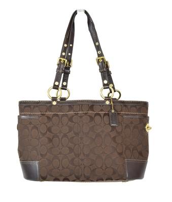 Lot 27 - A Coach handbag