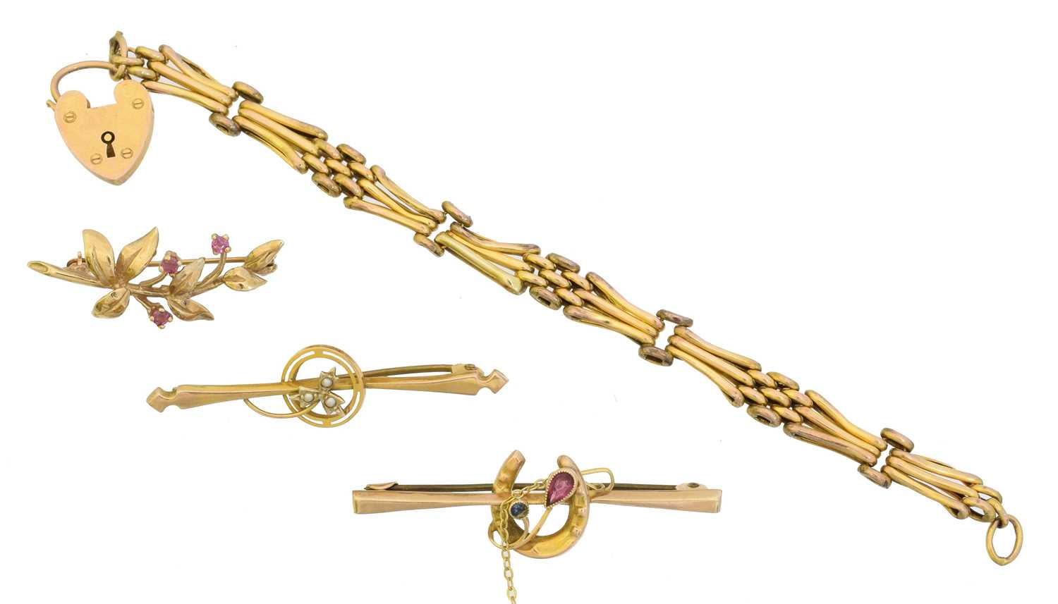 Lot 9 - A selection of jewellery