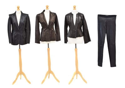 Lot 72 - A selection of clothing by Maxmara