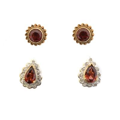 Lot 23 - Two pairs of garnet earrings