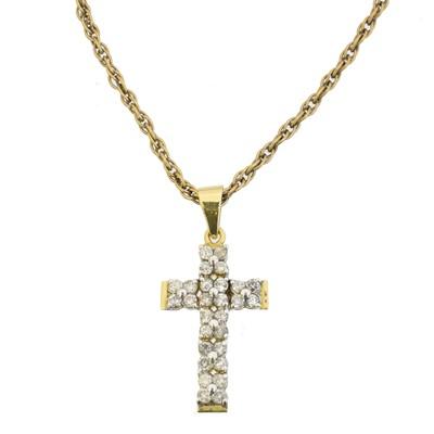 Lot 77 - A diamond cross pendant