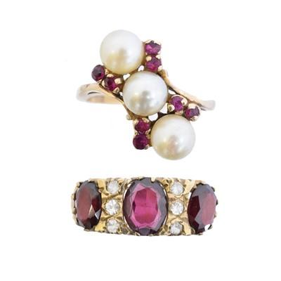 Lot 62 - Two 9ct gold gem set dress rings
