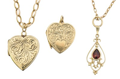 Lot 30 - A selection of jewellery