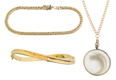 Lot 17 - A selection of jewellery