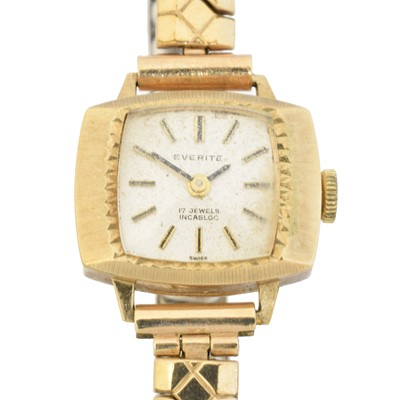 Lot 97 - A 9ct gold cased 'Everite' watch