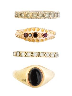 Lot 69 - Four dress rings