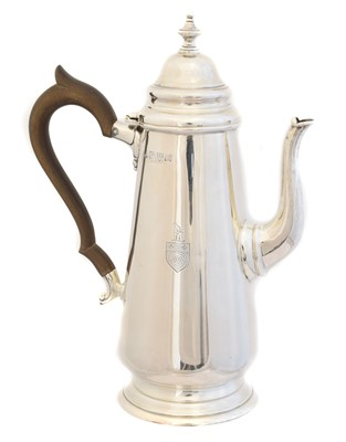 Lot 127 - A George V silver hot water jug