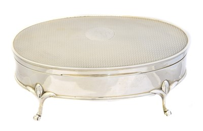 Lot 131 - A George V silver trinket box