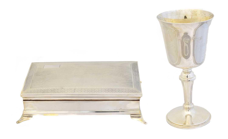 Lot 130 - A George V silver cigar box