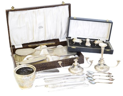 Lot 120 - A selection of silver