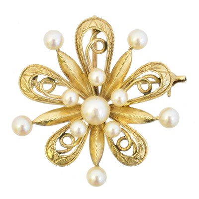 Lot 7 - A cultured pearl brooch by Mikimoto
