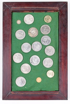 Lot 35 - Collection of various coinage to include a Queen Victoria, Half-Sovereign, 1898.