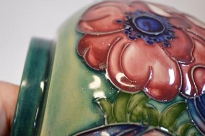 Lot Moorcroft anemone ginger jar