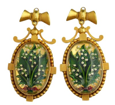 Lot 343 - A pair of late Victorian Essex Crystal earrings