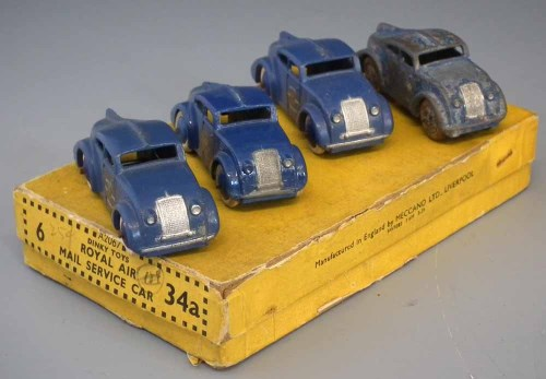Lot 32-Four Dinky 34A Royal Air Mail Service Cars  with