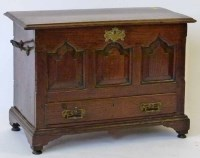 570 - Welsh coffer Bach 18th century.