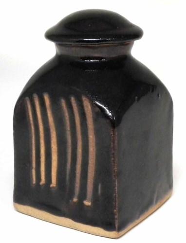 197 - Bernard Leach (1887-1979) St Ives pottery lidded