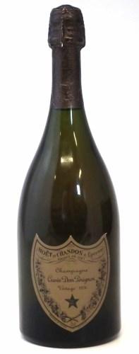 Lot 21-Moet Chandon Cuvee Dom Perignon Champagne 1976 (1